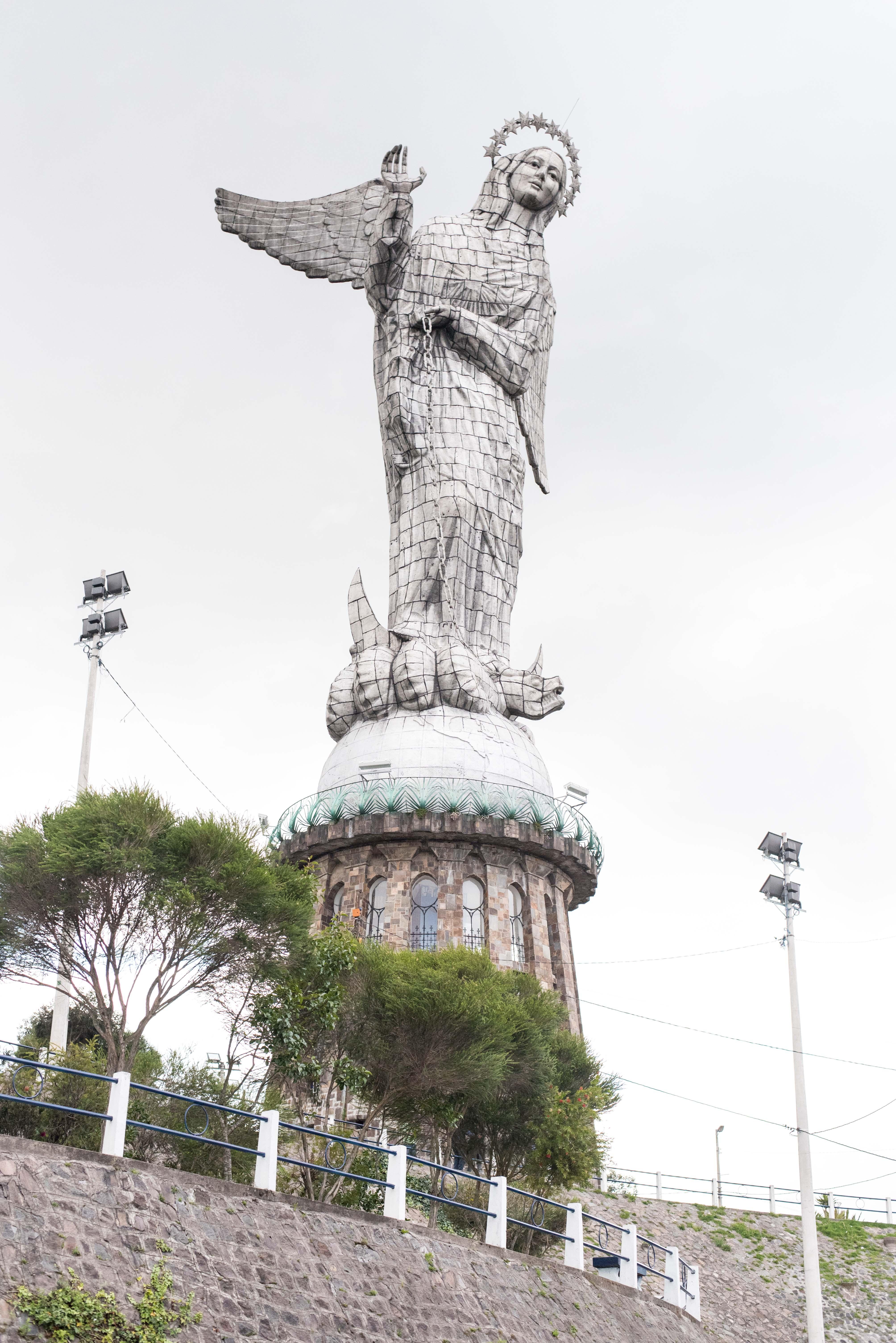 Quito Travel Guide - Virgen del Panecillo