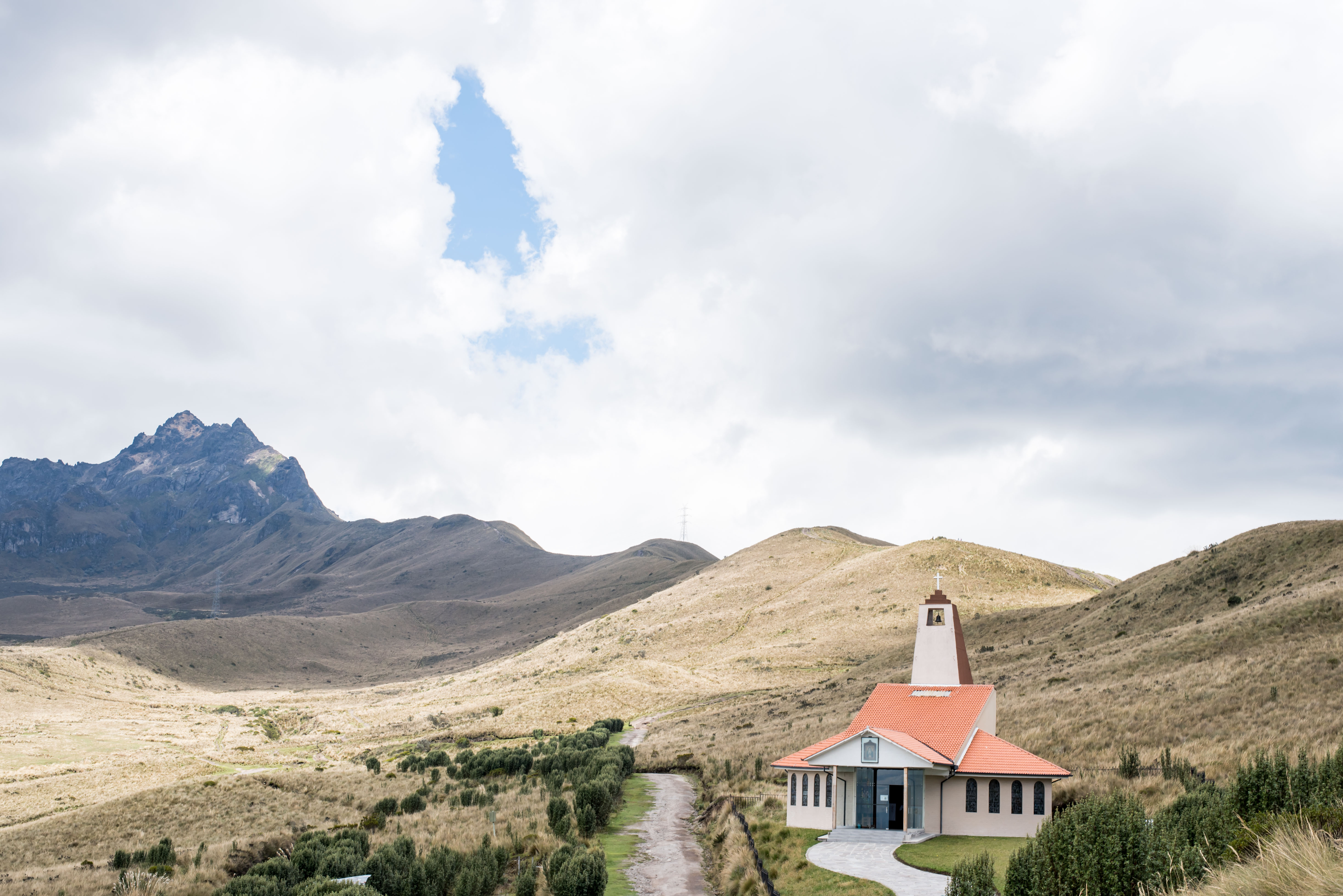 Quito Travel Guide - Hiking Pichincha Volcano