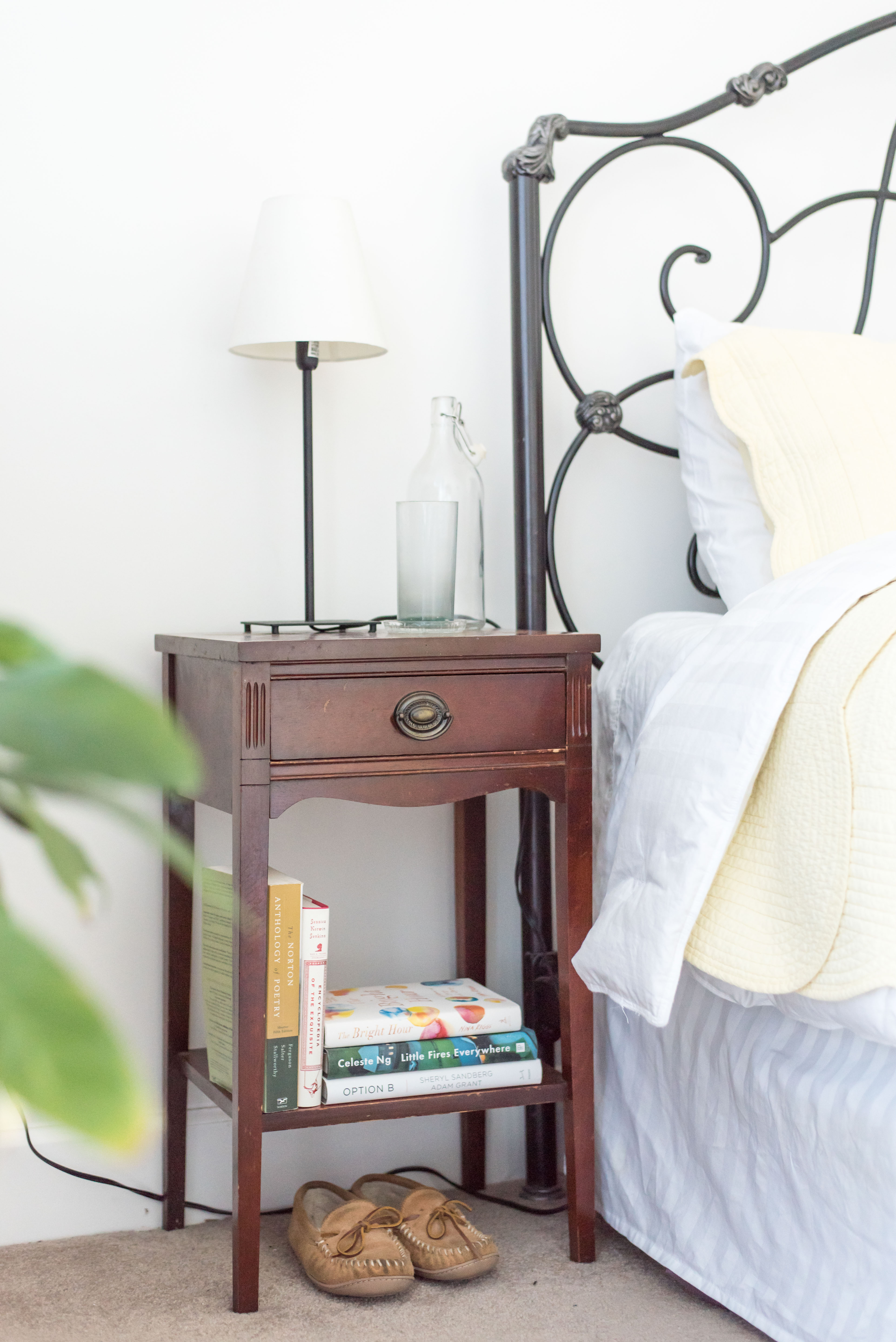 Master | bedside table